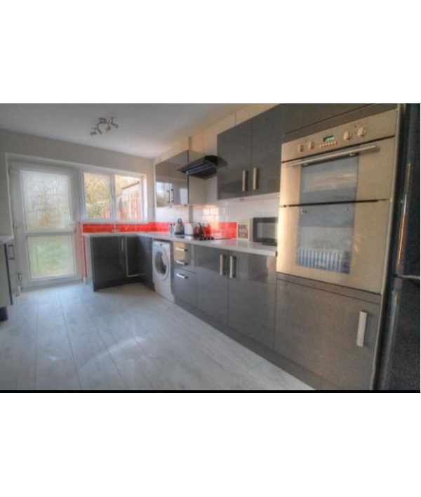 -4-bedroom-semi-detached-house-80525.png