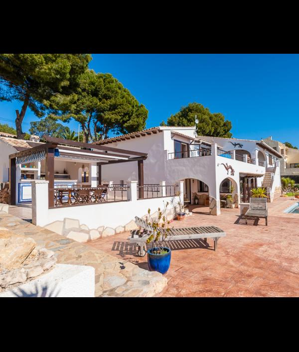 luxury-spanish-villa-&-car-73116.png