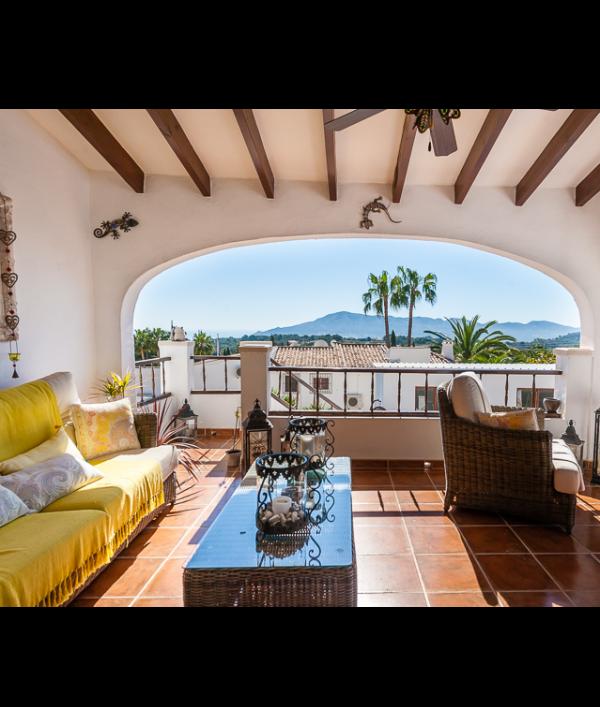 luxury-spanish-villa-&-car-73117.png