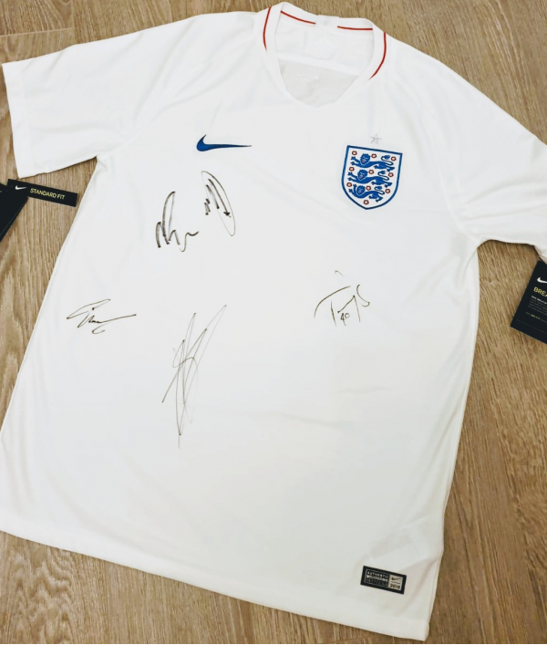 jonny's-england-shirt-giveaway-29094.png