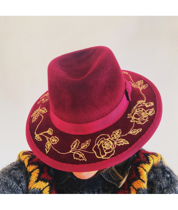 embroidered-handmade-fedora-103769.png