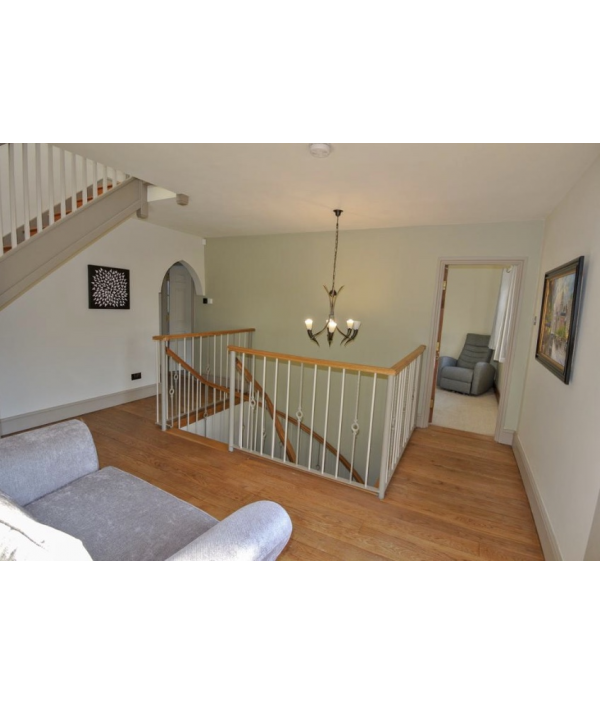 unique-6-bed-detached-home-123780.png
