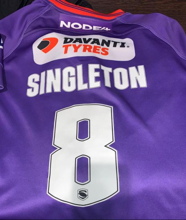 brad-singleton-match-worn-shirt-145262.png