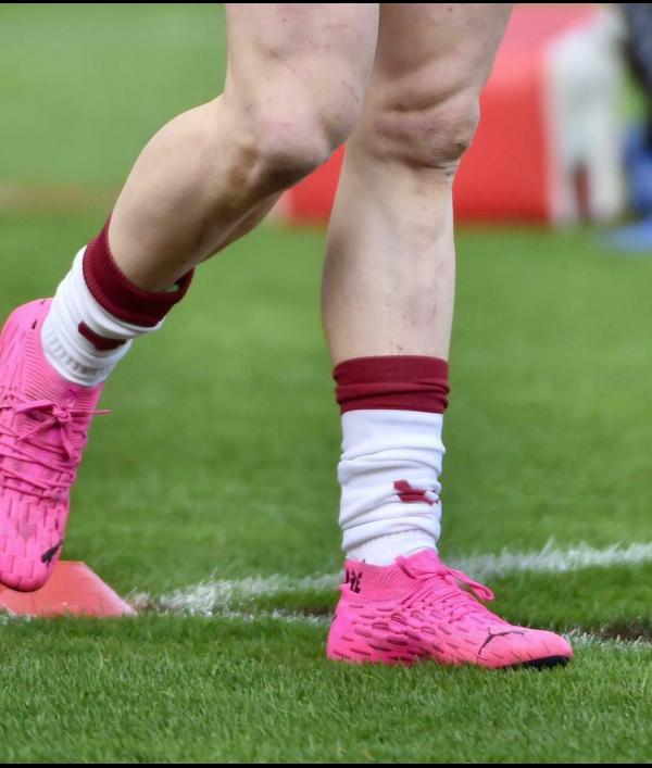 john-bateman-match-worn-boots-148400.png