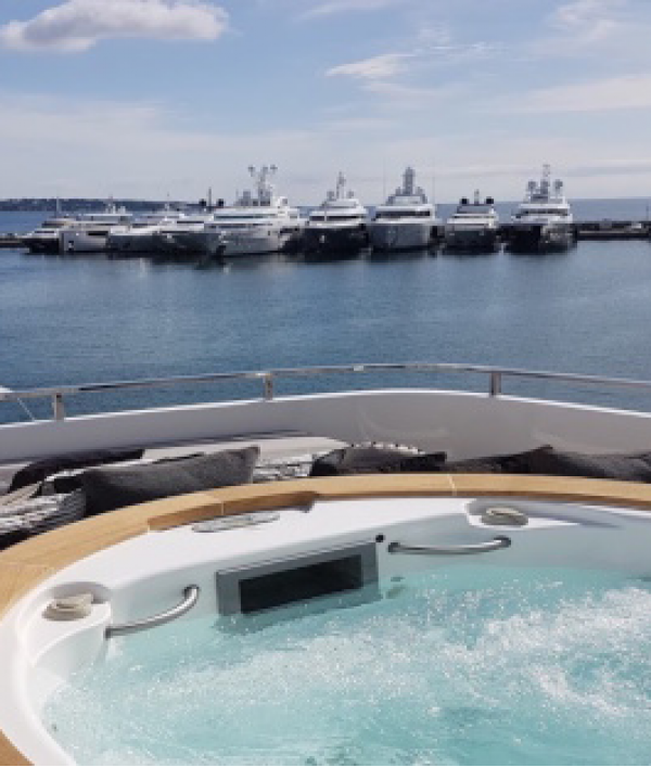 luxury-super-yacht-vacation-148416.png