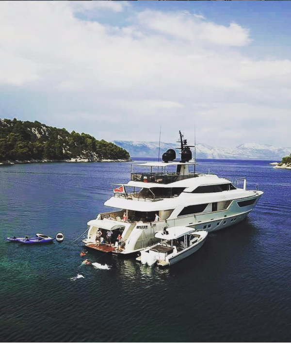 luxury-super-yacht-vacation-148421.png